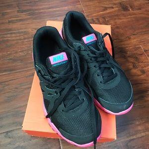 Nike revolution 2GS , walking shoe