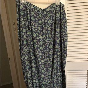 Women's Old Navy, sz 14, printed long skirt 100%