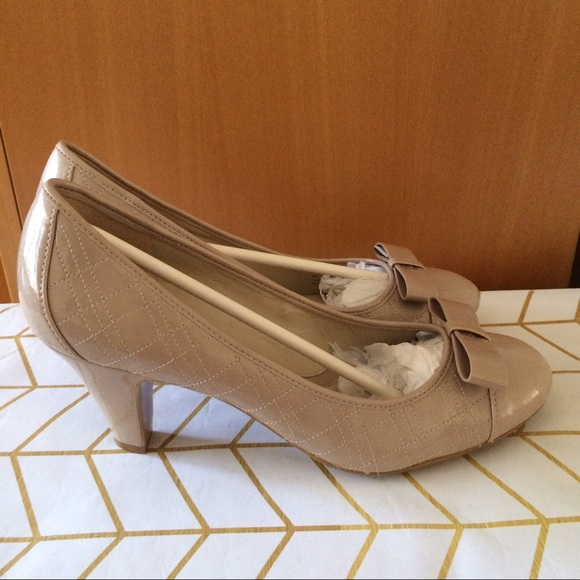 5d0bf016441a Naturalizer N5 Comfort Nude Heel