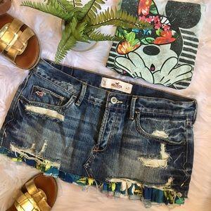 Hollister Frayed mini skirt