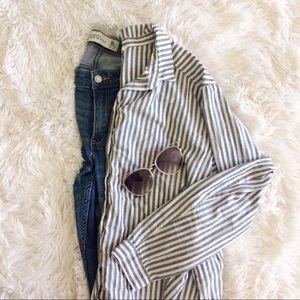 H&M grey+white long sleeve button down shirt