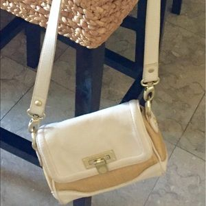 20e95961258e Vince Camuto Bags - On Sale!! Vince Camuto tan straw prfct summer bag