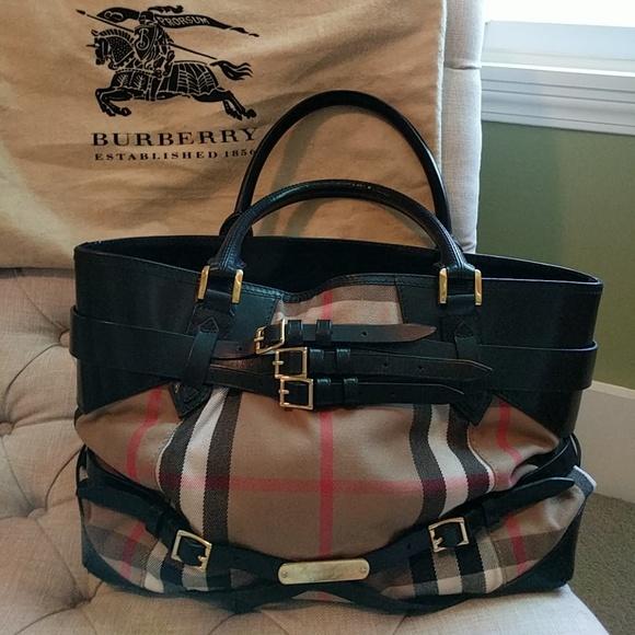 911232ec5d8 Burberry Handbags - BURBERRY House Check Calfskin Medium Lynher Tote