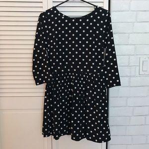 Dresses & Skirts - Black and white dress