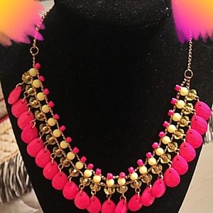 🍑Pink and yellow statement necklace🍑