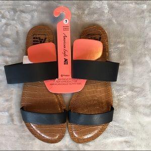 Nwt American eagle women's sandals size 7 black
