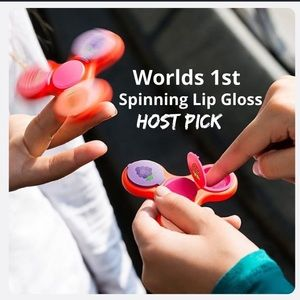 Other - 😍Worlds 1st Spinning Lip Gloss