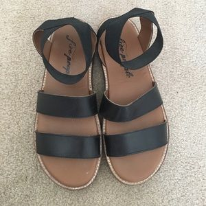 Worn once Black elastic casual summer sandals!