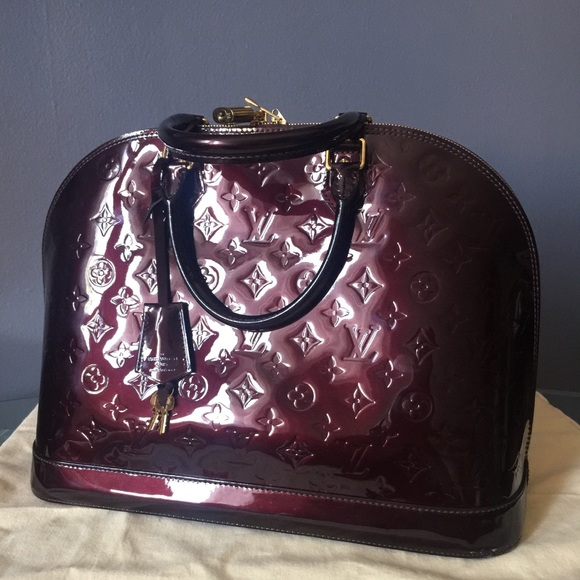 992d6e8ba41f7 Louis Vuitton Handbags - Louis Vuitton Alma Vernis GM bag