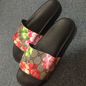 Gucci GG Blooms Pink Slides