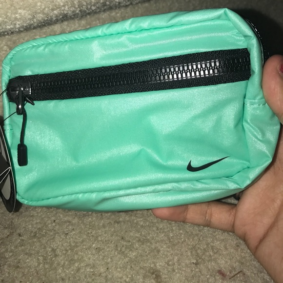 52f0691392 Reversible Nike pouch new with tags