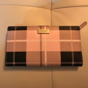 ♠️♠️Kate Spade♠️♠️ Stacy wallet