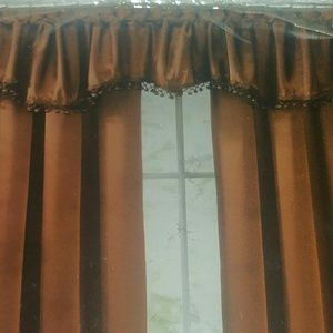 Shaped Valance with trim. (One)
