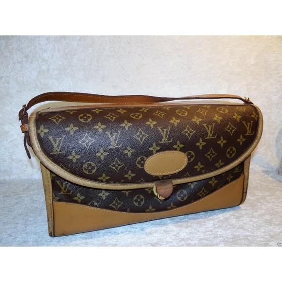 new products 4b9da 7e5db Vintage Louis Vuitton Cosmetic Train Case