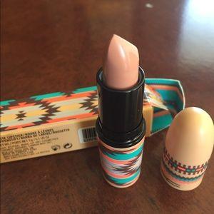 Mac matte lipstick arrowhead