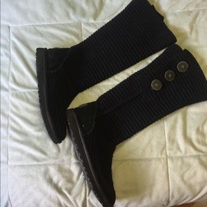 UGG knitted sweater black boots