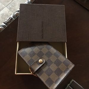 LV wallet yes it's really Authentic ❤️❤️❤️