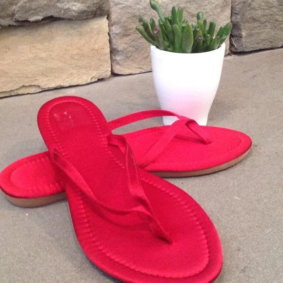 8ee255bc8 David s Bridal Shoes - Red Flip Flops🌹