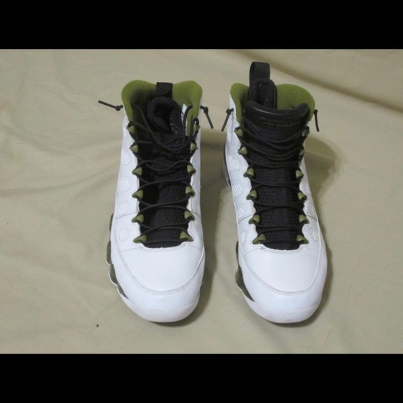 big sale 35977 62463 Jordan 9s - White & Olive - size 10.5