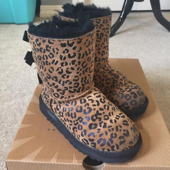 d06111b1389 Girls Bailey Bow Leopard Uggs