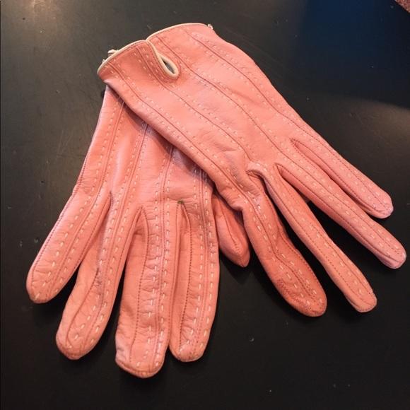 03eb9c4c4cb70 Italian leather pink silk lined gloves. M 596fc9d52fd0b7705100350f