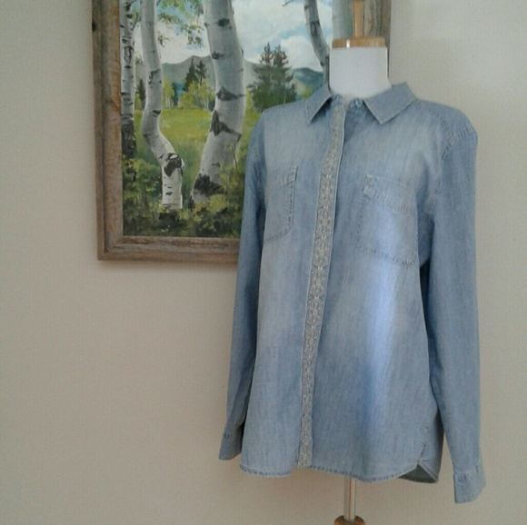 Chicos Denim Blouse 67