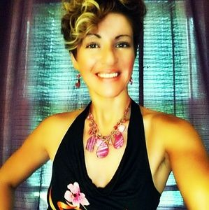 Jewelry - 🍸Fab🍸Pink Geode Statement Necklace & Earring Set
