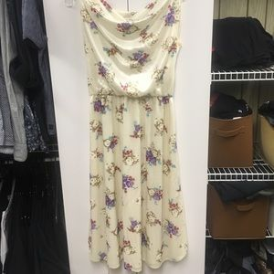 Dresses & Skirts - Beautiful Vintage dress in perfect condition!