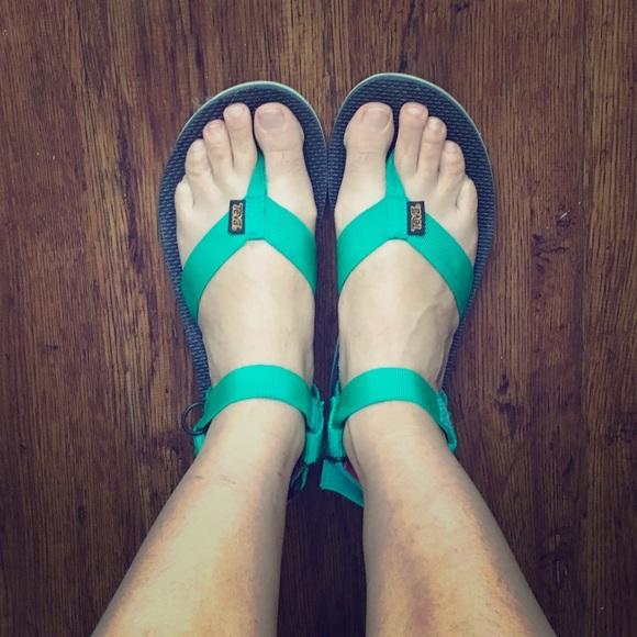 3ca22e872fb Throwback Original Teva Sandals. M 596fe42713302a3350009f1d