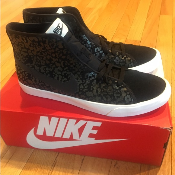 the latest 900f9 30192 New Nike women s Primo Court Leopard Print Suede