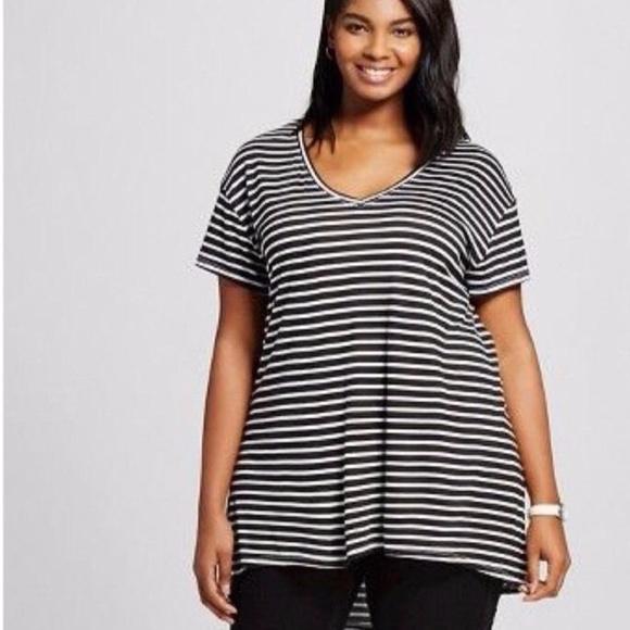 6da53509c17 Ava   Viv Plus Size Black White V-Neck Tee