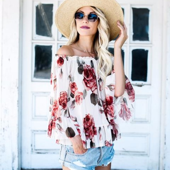 5a6c8f9c6aed5 Vici Garden In The Sun Ruffle Top