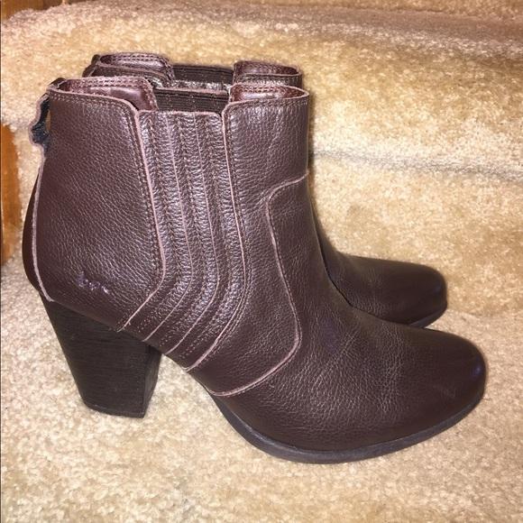 3e54ea272e9a Born Shoes - b.o.c. Born concept brown leather ankle boots 9.5