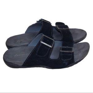 Carona Shoes Share Price