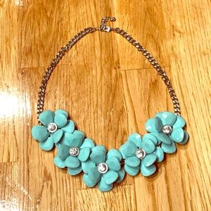 Jewelry - Mint Flower Statement Necklace