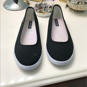 Polo kids shoes size4, can be worn in a woman 6.