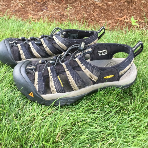 5f0a10ceb823 Keen Other - Keen Black H2O Newport Sandals Hiking Water Shoes
