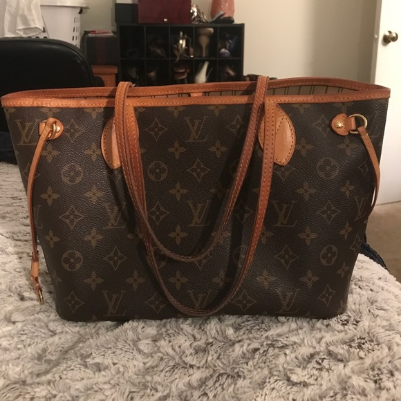 bd98d9143216 Louis Vuitton Handbags - 💯AUTHENTIC‼️LOUIS VUITTON Neverfull PM Monogram