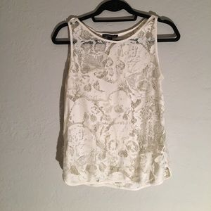 Off white lace sleeveless top with skull pattern