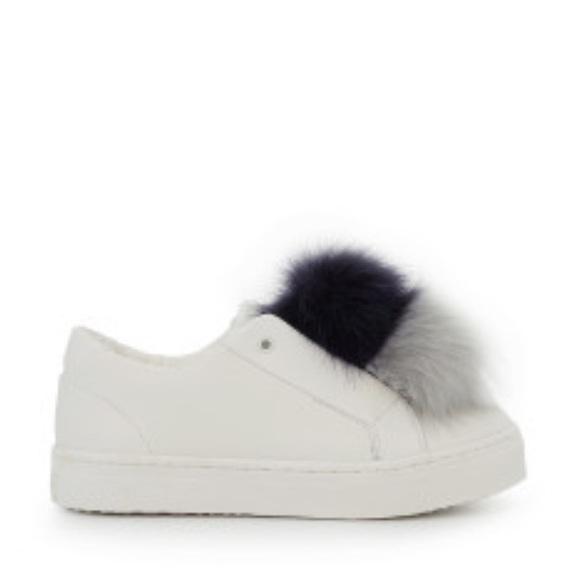 6ddc587327545 Sam Edelman New in box size 7 leya white fur Pom NWT