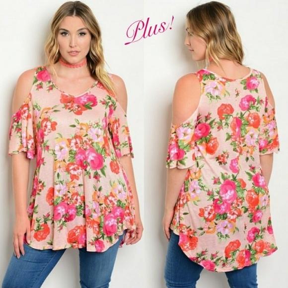 8aaab0cadbd7f ⬇️PRICE DROP - Plus Off Shoulder Floral Print Top!