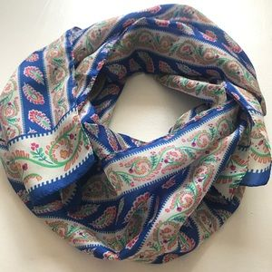 Beautiful Lightweight Colorfully Patterned Scarf