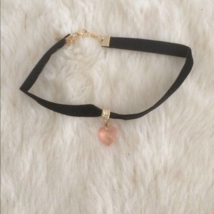 Jewelry - ON SALE 💗pink heart charm choker 💗
