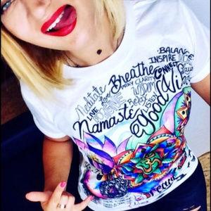 Tops - Retro Graffiti Boho Good Vibes Tattoo Art T-Shirt