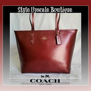 🍒 Coach City Zip Crossgrain Leather Tote 🍒