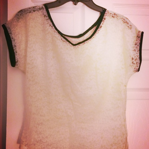 unbranded Tops - Lace and velvet Blouse