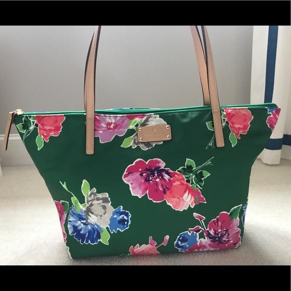 kate spade Handbags - NWT Kate Spade Bag