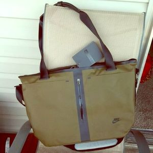 Brand new! Nike laptop/weekender bag. Olive green.