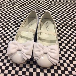 Nina Children's White Dress Shoe