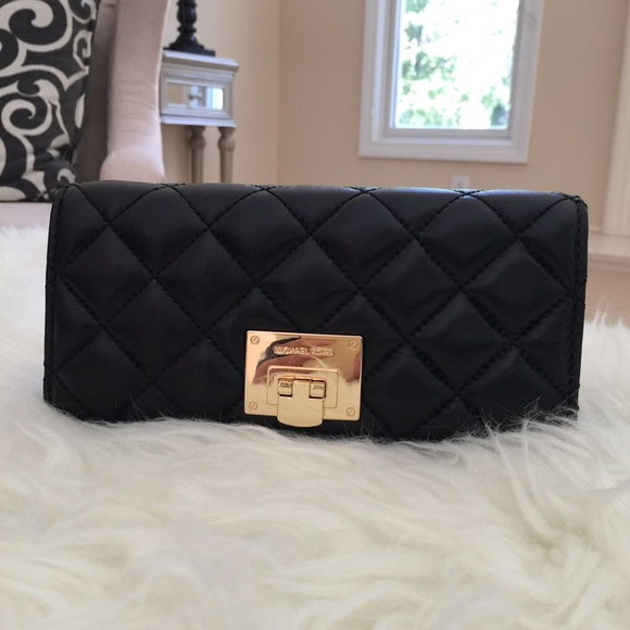 26f2db209f4b Michael Kors Bags | Astrid Leather Carryall Wallet | Poshmark